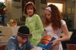 Susan Kennedy, Serena Bishop, Stingray Timmins in Neighbours Episode 4450