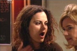 Liljana Bishop, Lyn Scully in Neighbours Episode 4451