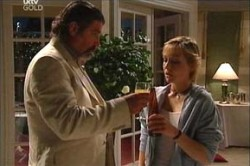 Rocco Cammeniti, Sindi Watts in Neighbours Episode 4453