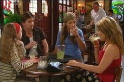 Summer Hoyland, Gus Cleary, Steph Scully, Izzy Hoyland in Neighbours Episode 4459