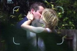 Toadie Rebecchi, Sindi Watts in Neighbours Episode 4459