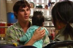 Jack Scully, Maddie Lee, Lori Lee in Neighbours Episode 4462