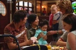 Jack Scully, Lori Lee, Maddie Lee, Oscar Scully, Lyn Scully, Michelle Scully in Neighbours Episode 4462