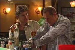 Max Hoyland, Gus Cleary in Neighbours Episode 4463