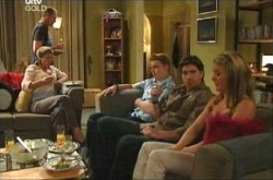 Steph Scully, Max Hoyland, Boyd Hoyland, Gus Cleary, Izzy Hoyland in Neighbours Episode 4464