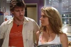 Gus Cleary, Izzy Hoyland in Neighbours Episode 4468