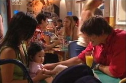 Lori Lee, Maddie Lee, Jack Scully in Neighbours Episode 4475
