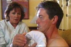 Susan Kennedy, Tom Scully in Neighbours Episode 4494