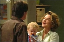 Jack Scully, Oscar Scully, Lyn Scully in Neighbours Episode 4494