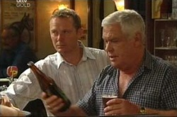 Max Hoyland, Lou Carpenter in Neighbours Episode 4495