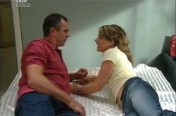 Karl Kennedy, Izzy Hoyland in Neighbours Episode 4496