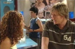 Serena Bishop, Stingray Timmins, Simon Ferguson (2004) in Neighbours Episode 4496