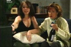 Libby Kennedy, Susan Kennedy in Neighbours Episode 4498