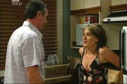 Izzy Hoyland, Karl Kennedy in Neighbours Episode 4498