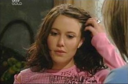 Libby Kennedy, Steph Scully in Neighbours Episode 4498