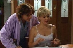 Susan Kennedy, Sindi Watts in Neighbours Episode 4500