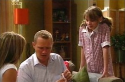 Steph Scully, Max Hoyland, Summer Hoyland in Neighbours Episode 4504