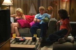 Sky Mangel, Boyd Hoyland, Summer Hoyland in Neighbours Episode 4505