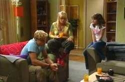 Boyd Hoyland, Sky Mangel, Summer Hoyland in Neighbours Episode 4505