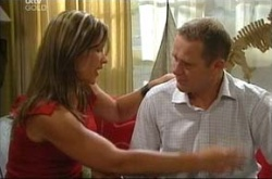 Steph Scully, Max Hoyland in Neighbours Episode 4507