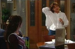 Libby Kennedy, Susan Kennedy in Neighbours Episode 4510
