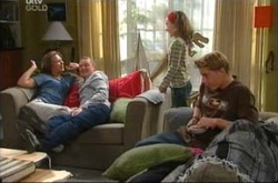 Steph Scully, Max Hoyland, Summer Hoyland, Dino, Boyd Hoyland in Neighbours Episode 4510
