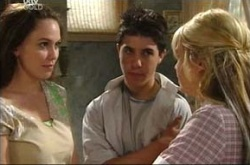 Libby Kennedy, Stingray Timmins, Sky Mangel in Neighbours Episode 4518