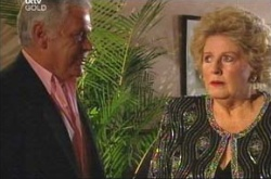 Lou Carpenter, Valda Sheergold in Neighbours Episode 4520