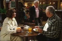 Harold Bishop, Lou Carpenter, Lyn Scully in Neighbours Episode 4520