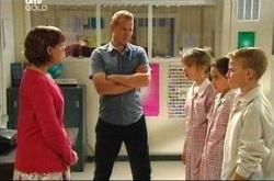 Summer Hoyland, Susan Kennedy, Max Hoyland, Lisa Jeffries, Declan Sands in Neighbours Episode 4521
