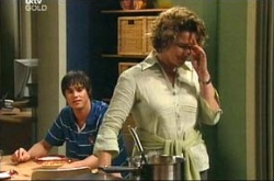 Jack Scully, Lyn Scully in Neighbours Episode 4522
