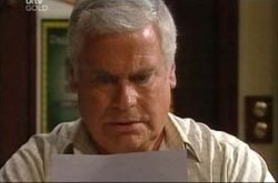 Lou Carpenter in Neighbours Episode 4524