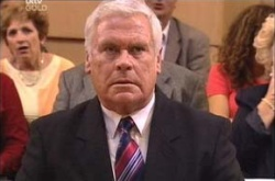 Lou Carpenter in Neighbours Episode 4525