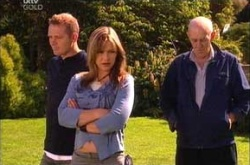 Max Hoyland, Steph Scully, Charlie Cassidy in Neighbours Episode 4527