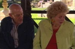 Charlie Cassidy, Valda Sheergold in Neighbours Episode 4527