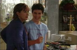 Stingray Timmins, Susan Kennedy in Neighbours Episode 4530