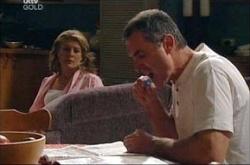 Izzy Hoyland, Karl Kennedy in Neighbours Episode 4534