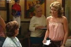 Susan Kennedy, Izzy Hoyland in Neighbours Episode 4534