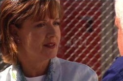 Susan Kennedy, Lou Carpenter in Neighbours Episode 4535