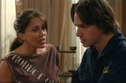 Libby Kennedy, Darren Stark in Neighbours Episode 4539