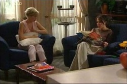 Sindi Watts, Libby Kennedy in Neighbours Episode 4539