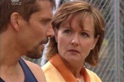 Darcy Tyler, Susan Kennedy in Neighbours Episode 4540