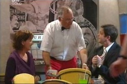 Susan Kennedy, Harold Bishop, David Bishop in Neighbours Episode 4542