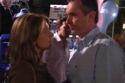 Izzy Hoyland, Karl Kennedy in Neighbours Episode 4544