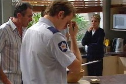 Karl Kennedy, Izzy Hoyland, Stuart Parker in Neighbours Episode 4552