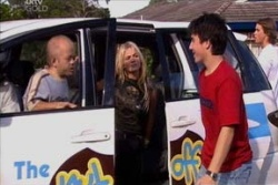 Ziggy Delroy, Sky Mangel, Stingray Timmins in Neighbours Episode 4553