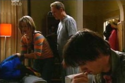 Steph Scully, Jack Scully, Max Hoyland in Neighbours Episode 4555