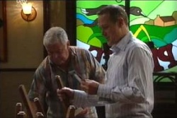 Lou Carpenter, Max Hoyland in Neighbours Episode 4558