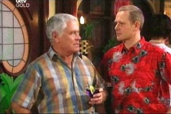 Max Hoyland, Lou Carpenter in Neighbours Episode 4558