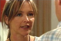 Steph Scully, Max Hoyland in Neighbours Episode 4559